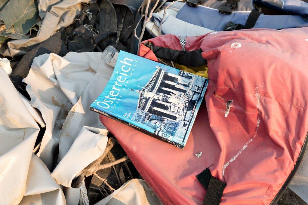 Lifejacket-graveyard-book